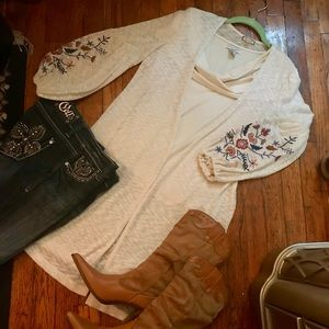 Sweater duster w/ floral embellished ballon sleeve